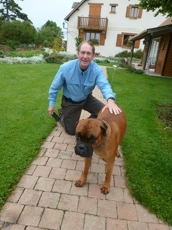 Les châlets de Noé : Canine buddy with my buddy Wayne.