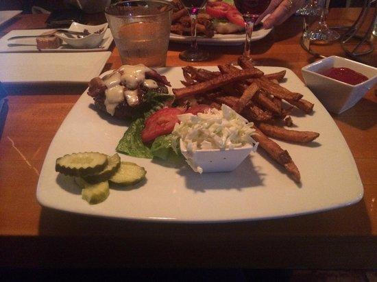 2 Taste Food and Wine Bar: Best Burger!