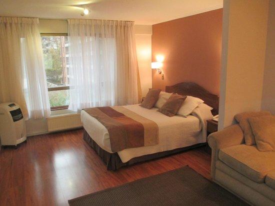 Apart Hotel Cambiaso: Otra vista en donde se aprecia parte de la salita