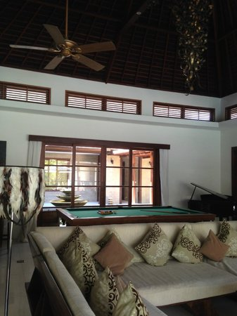 LataLiana Villas: Table tennis, pool table and grand piano - what a games room