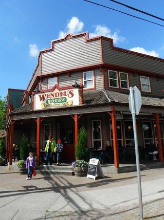 Wendel's Bookstore & Cafe : Entrance