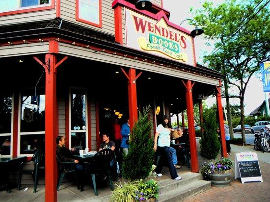 Wendel's Bookstore & Cafe : Customer Entrance
