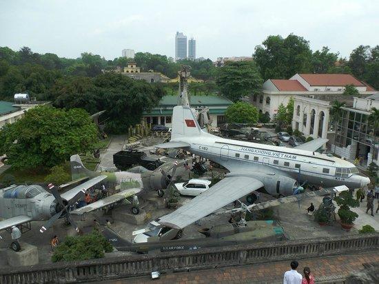 Museo de Historia Militar de Vietnam: 『旗の塔 Cot Co』を上った所から
