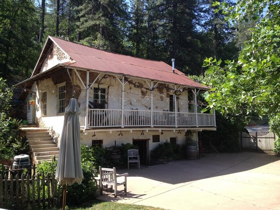 Discover Lake Tahoe Wine and Harvest Tour: The original press house.