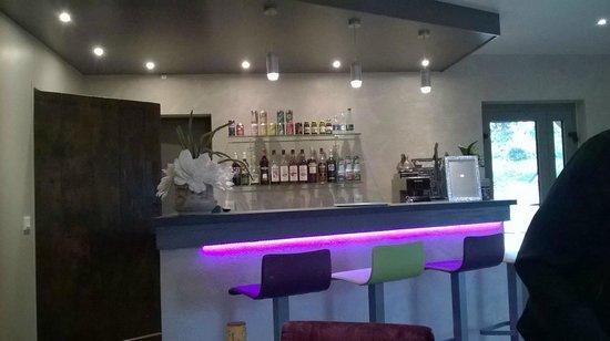 Le Mas De Castel: beverages