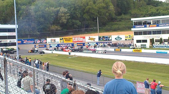 Mohnton, PA: Drag Racing Action At Maple Grove Raceway