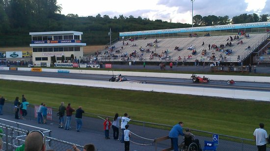 Drag Racing Action At Maple Grove Raceway