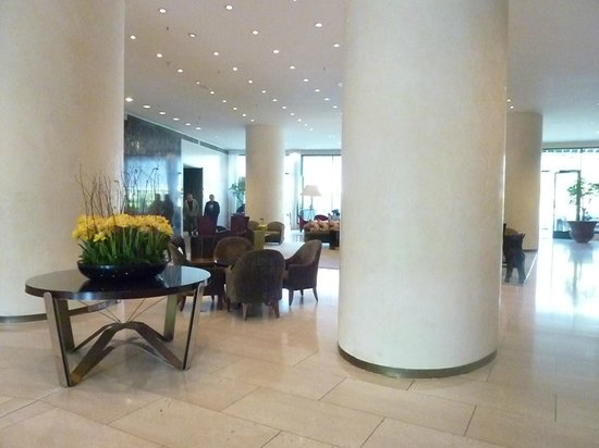 Hilton Amsterdam: In the lobby