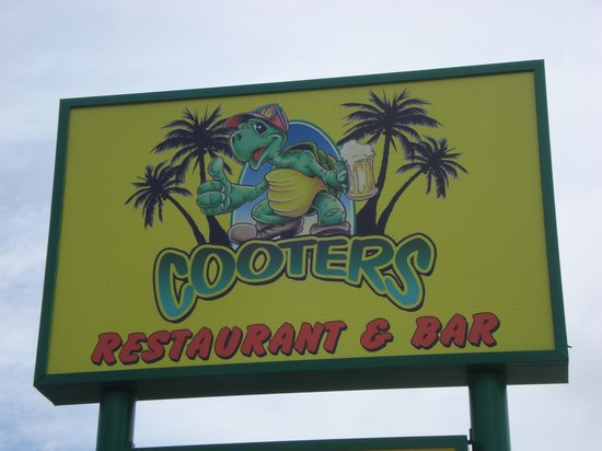 Cooters Restaurant & Bar : Cooter's Sign