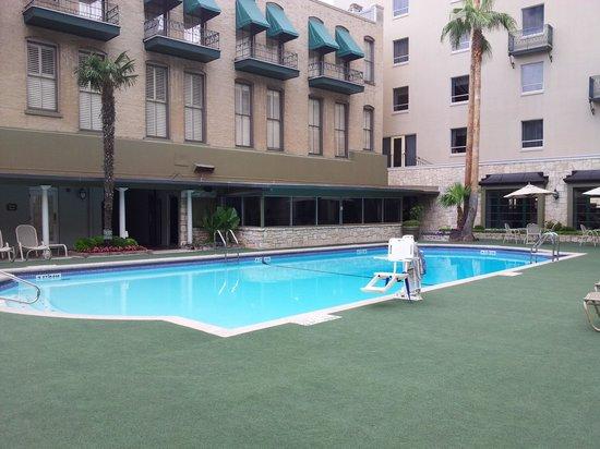 Menger Hotel: Pool