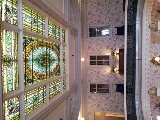 Menger Hotel: Inside