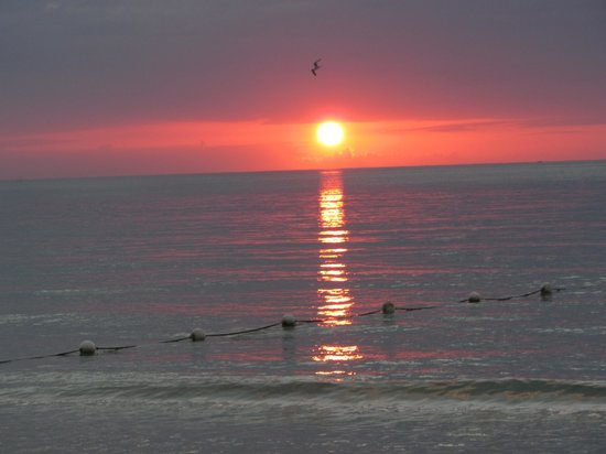 Travellers Beach Resort: beautiul sunsets