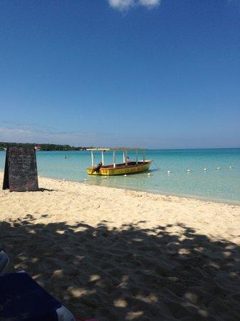 Travellers Beach Resort: beautiful
