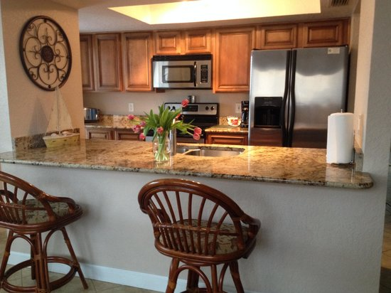 Westwinds Waterfront Resort: Kitchen