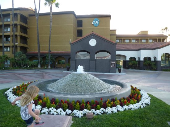 Four Points by Sheraton Anaheim: Front Entrance