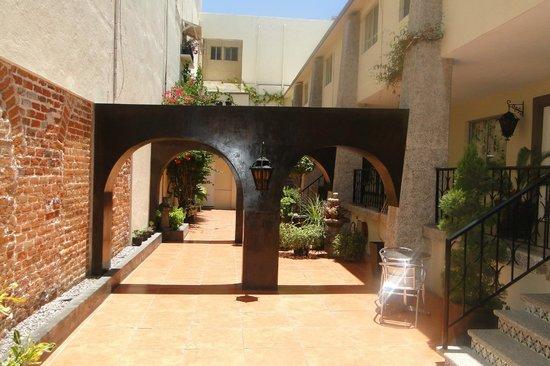 Hotel Posada de la Mision : Entrada hacia las Habitaciones