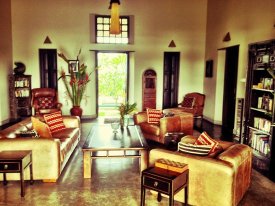 Villa Mayurana by Edwards Collection: The common living room