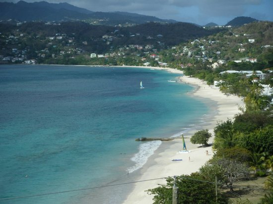 The Flamboyant Hotel & Villas: View of the beach from the room