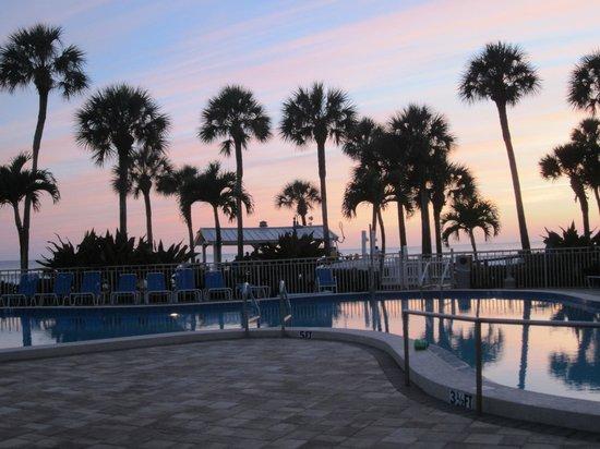 Sarasota Surf and Racquet Club: Sunset Pool View