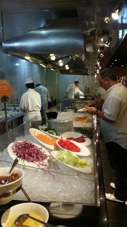 Tianyu Gloria Grand Hotel Xian: Богатый выбор блюд на завтрак