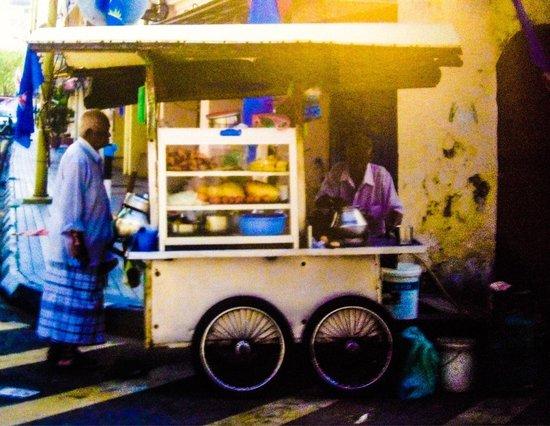 Queen Street : Street vendor