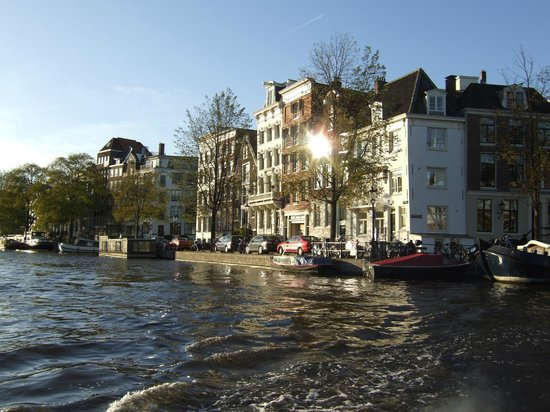 Renaissance Amsterdam Hotel: Canal View