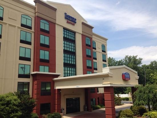 Fairfield Inn & Suites Asheville South/Biltmore Square: Exterior