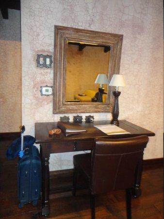 El Convento Boutique Hotel : Habitacion- Escritorio