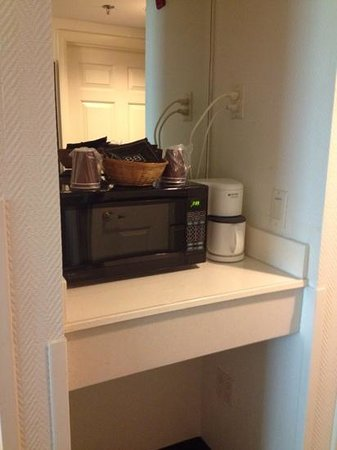 Fairfield Inn & Suites Asheville South/Biltmore Square: Microwave