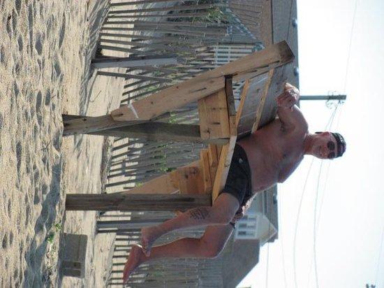 Beach Haven : someone built a lifeguard bench!