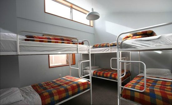 On Top Backpackers: 6 Bed Dorm Rooms