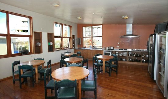 On Top Backpackers: The Kitchen and Dining area