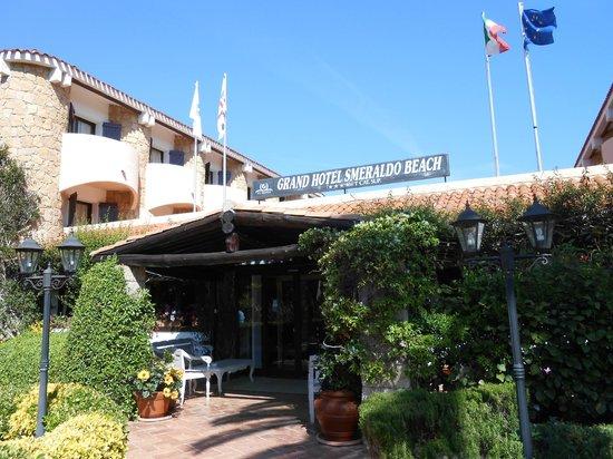 Grand Hotel Smeraldo Beach: Hotel entrance