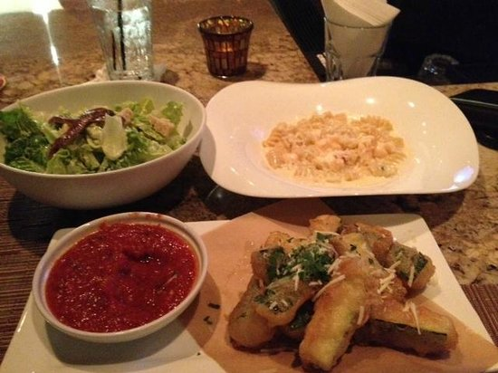 Pueo's Osteria: Cesar salad, fried zucchini and lobster mac n cheese