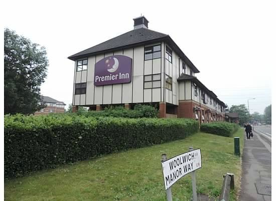 Premier Inn London Beckton Hotel: The exterier of the hotel