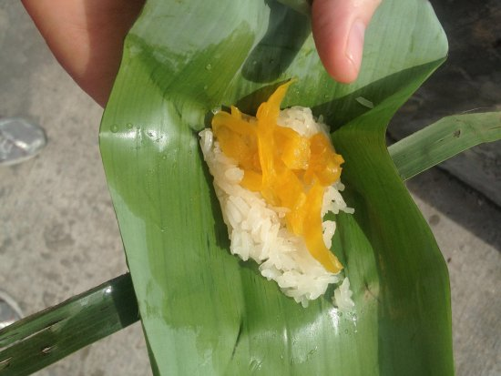 Amazing Bike Tours : Sticky rice for a snack. Yum!