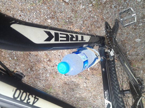 Amazing Bike Tours : Another water refill on returning to the bike. Service!