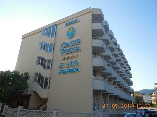 Hotel GHT Oasis Tossa & SPA: perspective de la rue