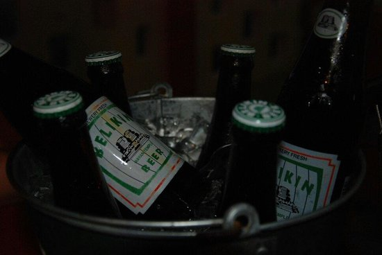 Tropical Paradise Restaurant: Good beer
