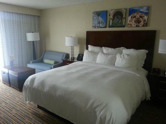 San Diego Marriott Mission Valley: Bed