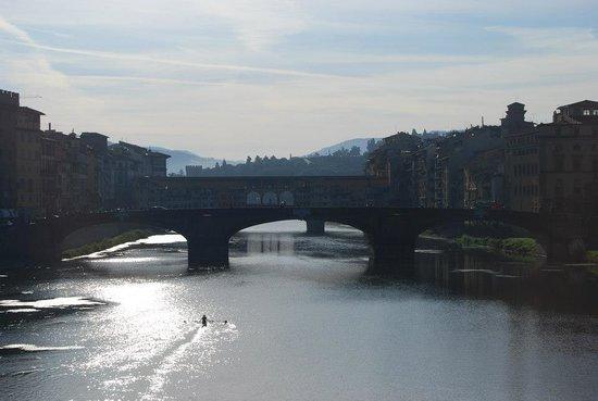 Hotel Roma: Lone Canoe Early Morning Arno
