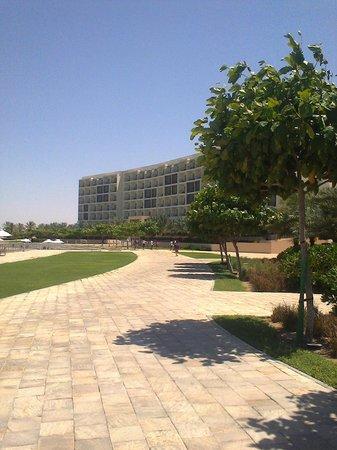 Millennium Resort Mussanah: Back of hotel