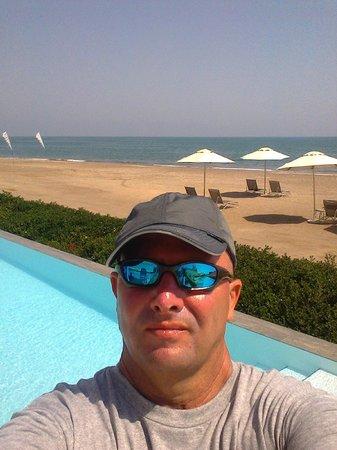 Millennium Resort Mussanah: Pool and Beach
