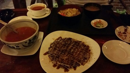 Surfside Boracay Resort & Spa: Yummy dinner at the cafe. The korean spicy soup is good.