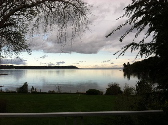 Pacific Shores Resort and Spa: View from the deck