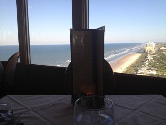 Top of Daytona Restaurant and Lounge: amazing view from our table