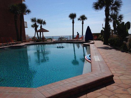 Lexington Inn & Suites : The pool!