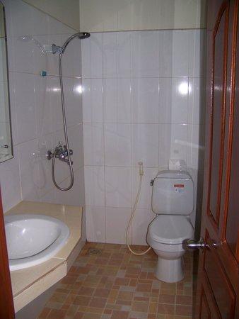 Siem Reap Garden Inn : Bathroom 206