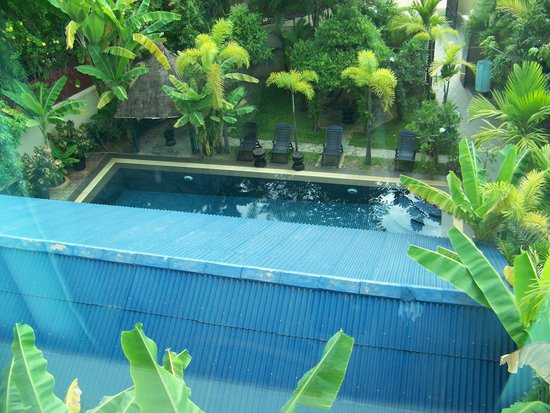 Siem Reap Garden Inn: View of pool area from room