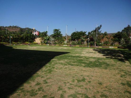Aakar Lords Inn : Garden